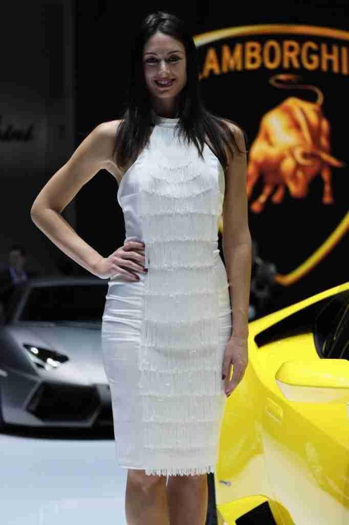 2014-Geneva-Motor-Show-girls-4